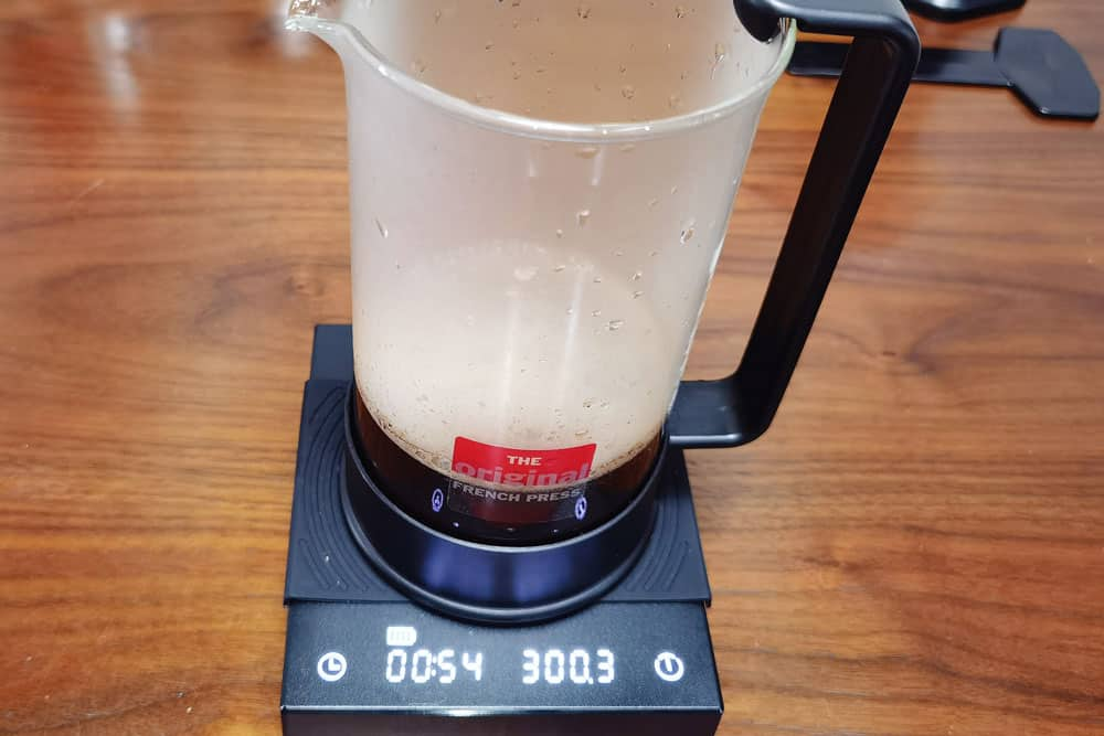 add the rest water to french press pot