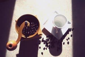 best-manual-coffee-grinders-featured