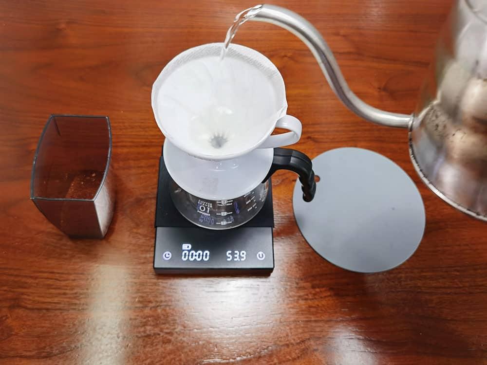 rinse v60 filter before brewing