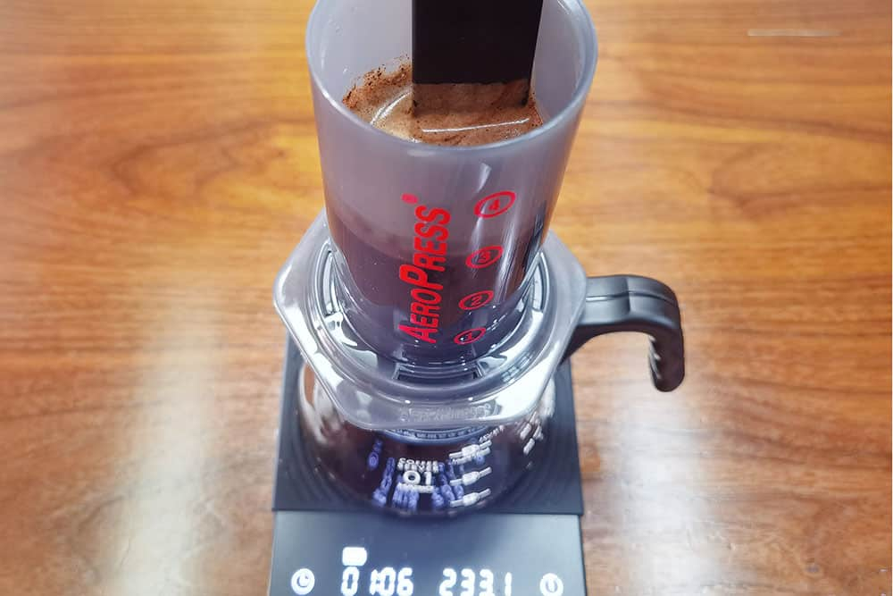 stir coffee after 1min