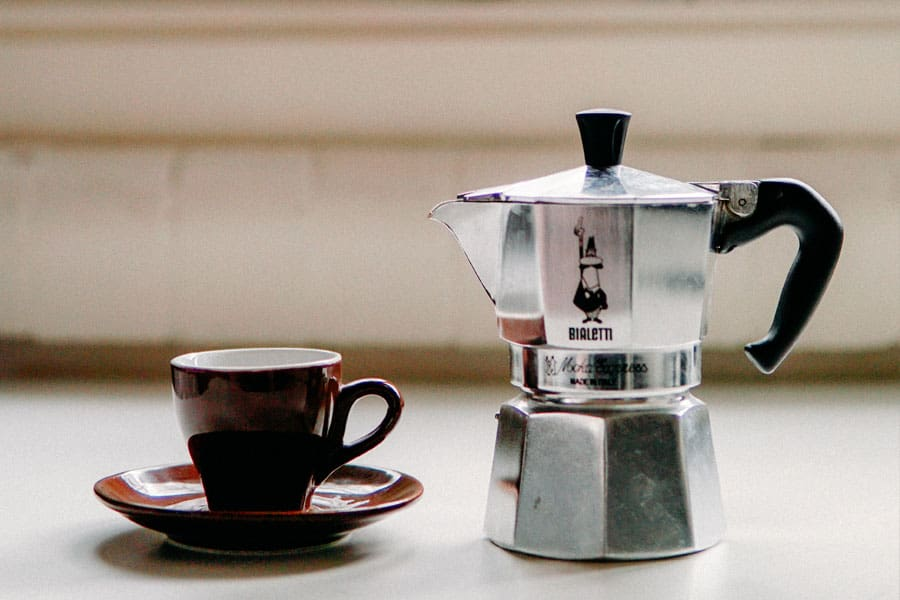 stovetop-espresso-maker-instructions-featured