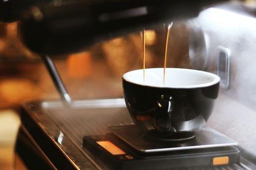 weighing-espresso