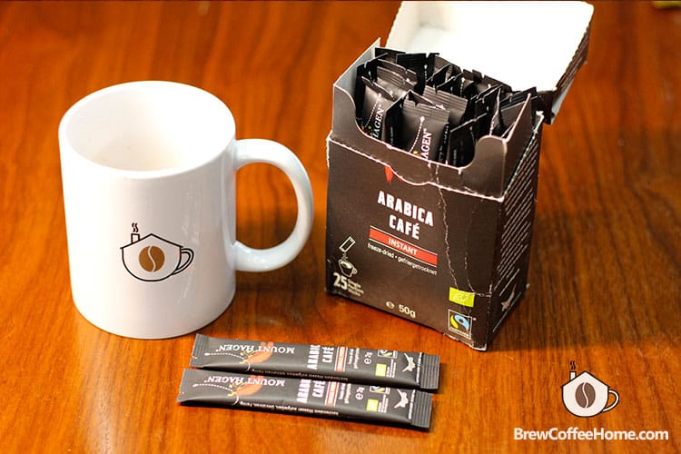Mount Hagen organic instant-coffee