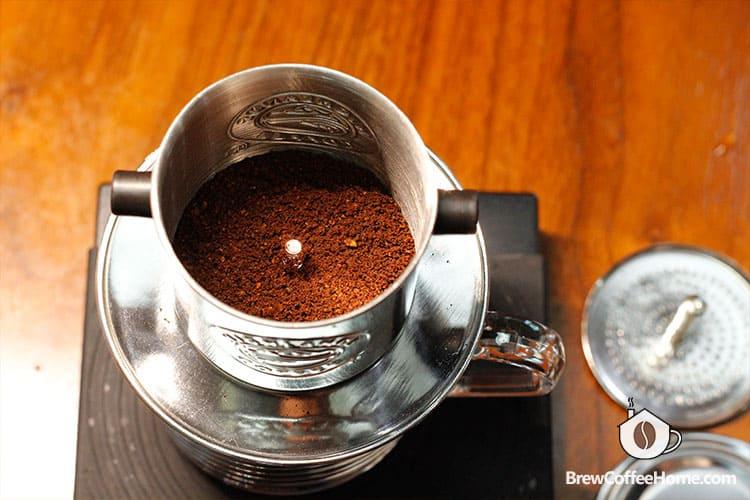 add-coffee-to-vietnamese-coffee-maker