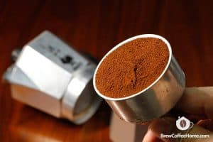 coffee-grounds-in-moka-pot