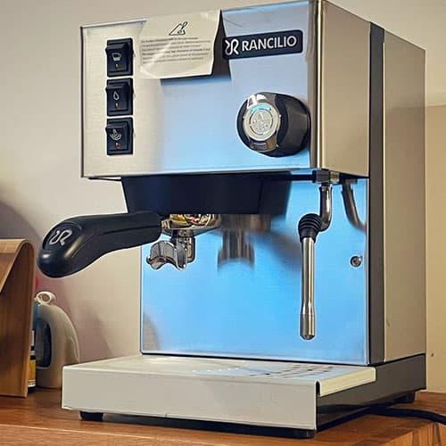 Silvia espresso machine appearance