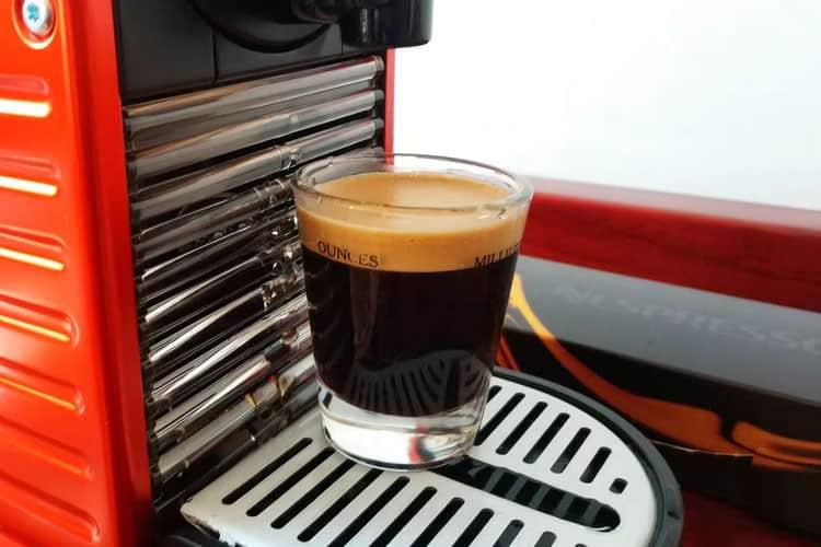 nespresso-pixie-espress-drink