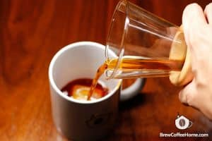 serving-japanese-iced-coffee