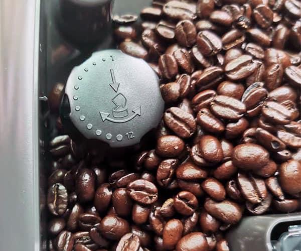 Philips-lattego-coffee-machine-bean-hopper-and-grinder