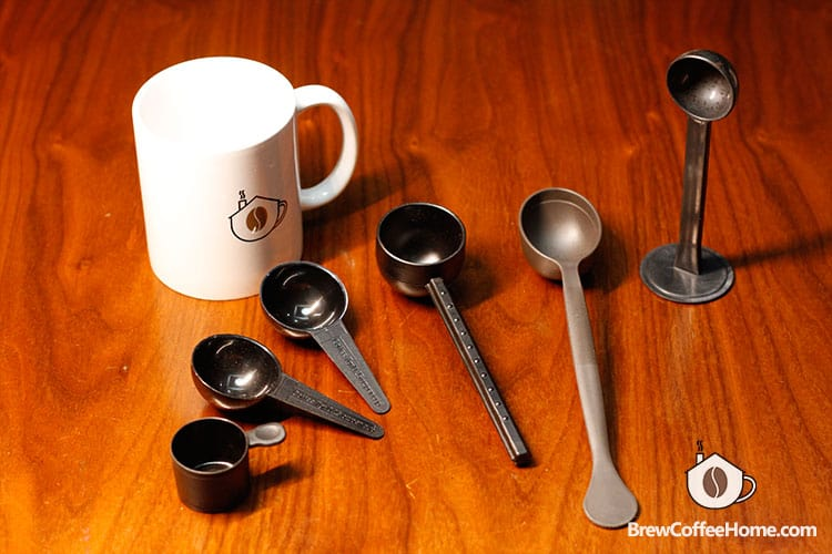 coffee-scoops-in-different-sizes