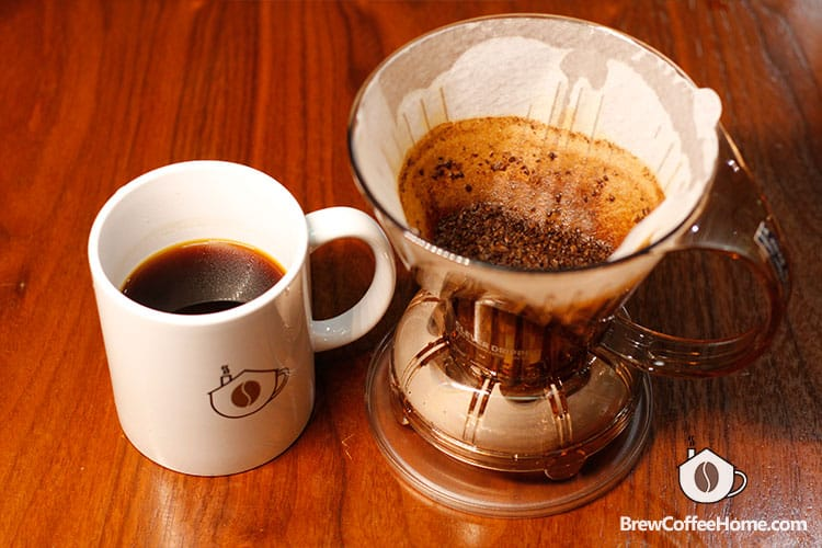 enjoy-coffee-brewed-by-clever-dripper