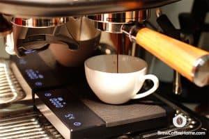 pull-espresso-for-dirty-coffee