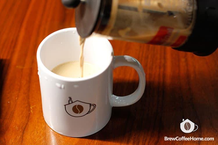 serve-coffee-brewed-by-milk